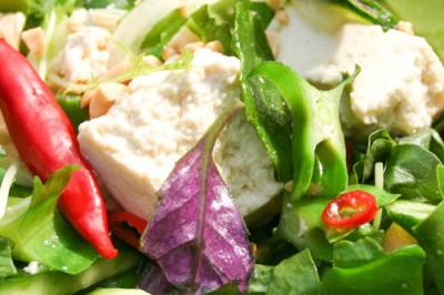 島野菜と島豆腐のサラダ